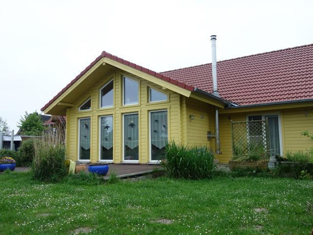 Neuwertiges Blockbohlenhaus in Neuenkirchen (LK Cuxhaven)