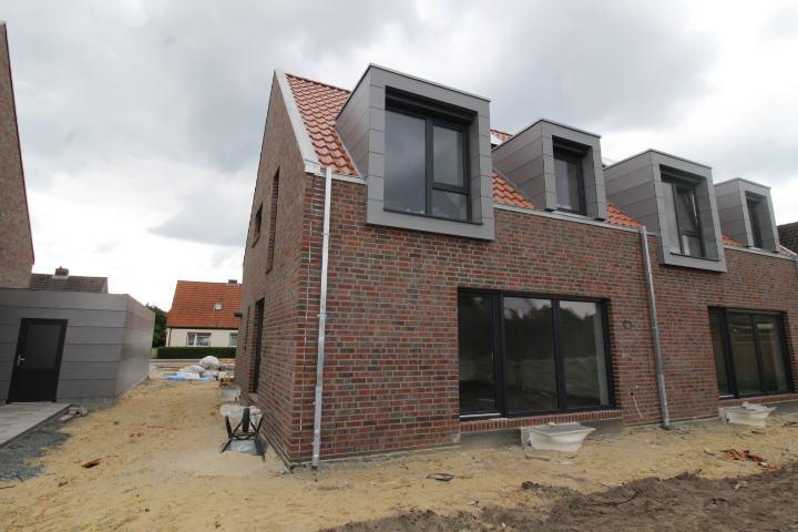 Neubau: Doppelhaushälfte in familienfreundlicher Lage, Stade