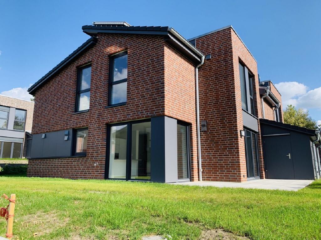 Miete: Erstbezug Doppelhaushälfte mit Smart Home in Stade