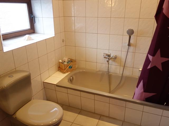 Vielseitiges Wohnhaus mit zwei Einheiten in Holte-Spangen