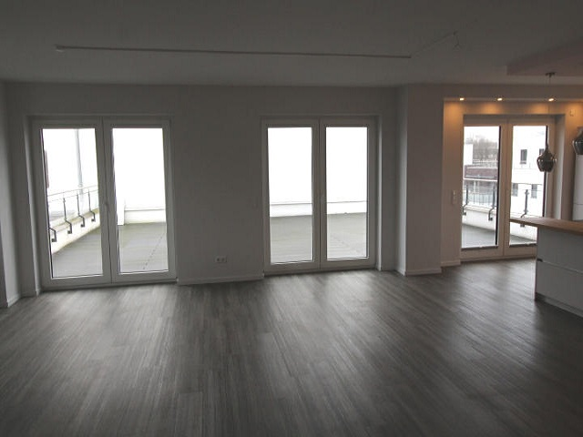 Courtagefrei: Moderne Penthouse-Wohnung in Buxtehude